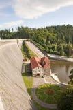 Represa e central eléctrica velhas Foto de Stock Royalty Free