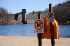 Represa e lago Imagem de Stock