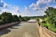 Represa hidroelétrico da central elétrica de Maikop GES foto de stock