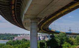 Represa hidroelétrico da ponte Fotos de Stock