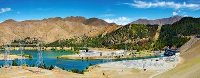 Represa hydroelectric de Benmore do lago imagem de stock