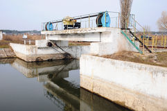 A represa no rio Foto de Stock Royalty Free