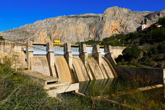 Represa no rio de Chorro andalusia Imagens de Stock