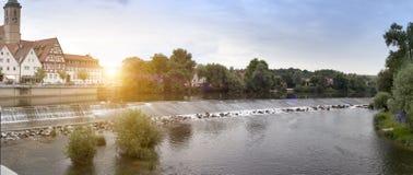 Represa no rio Neckar no Nurtingen em Alemanha do sul Fotografia de Stock Royalty Free