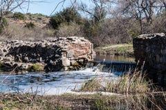 Represa velha da missão com a cachoeira em San Diego Fotografia de Stock