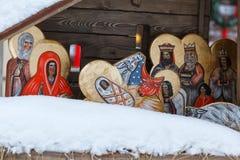Representação do nascimento de Cristo Ucrânia, Lviiv, o 22 de janeiro de 2018 As caras são pintadas no estilo popular imagens de stock