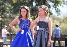 Representação histórica de beleza adolescente da menina no festival África do Sul imagens de stock royalty free