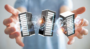 Representación de conexión del centro de datos 3D del sitio de los servidores del hombre de negocios Fotos de archivo