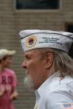 Representant för AmVet stolpe 63 på räddningen som vårt kors samlar, Knoxville, Iowa Royaltyfria Bilder
