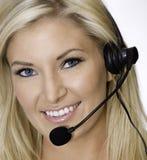 Representante rubio atractivo del centro de atención telefónica foto de archivo libre de regalías