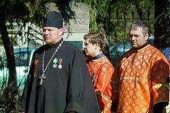 Representantes de la iglesia en el día de la victoria Fotos de archivo libres de regalías