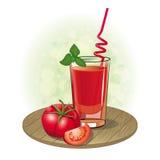 Represente un vidrio del jugo de tomate y del tomate Foto de archivo libre de regalías