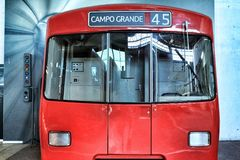 Reprodução da cabine vermelha do metro fotos de stock