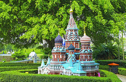 Reproducción de la iglesia de la albahaca del st de Moscú en la ventana de Shenzhen del mundo Foto de archivo libre de regalías