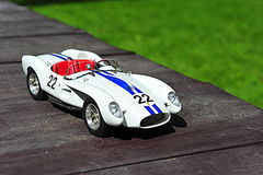 Reproducción del modelo de escala del coche de competición de la defensa el pontón de Rossa del Testa de Ferrari Foto de archivo libre de regalías