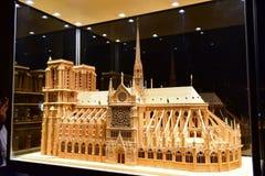 Reproducción escalada de la catedral famosa de Notre Dame de Paris Imagen de archivo libre de regalías