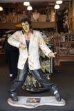 Reproduction d'Elvis Presley chantant dans un magasin de souvenir sur Hollywoo photo libre de droits