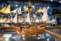 Reproduction en bois du vieux navire célèbre Images libres de droits