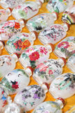 Reproductions des bouteilles de tabac à priser sur le marché de Panjiayuan, Pékin, Chine Photo stock