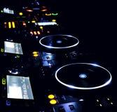 Reprodutor de CDs e misturador do DJ Fotografia de Stock Royalty Free