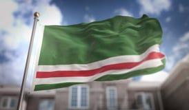 Repubblica cecena della rappresentazione della bandiera 3D di Ichkeria sul cielo blu Buil Fotografia Stock Libera da Diritti