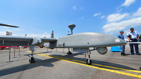Republik av medlet för häger 1 för Singapore flygvapen (RSFA) det obemannade flyg- (UAV) på skärm på Singapore Airshow Fotografering för Bildbyråer