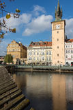 REPUBLIKA CZECH PRAGA, PAŹDZIERNIK, - 02, 2017: Pojawienie cudowny Europejski miasto Ostop wierza z spiers Obraz Royalty Free