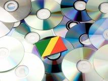 Republika Kongo flaga na górze cd i DVD wypiętrzamy odosobnionego dalej Obrazy Royalty Free