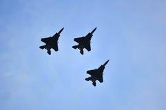 Republika wykonuje flypast podczas święto państwowe parady próby 2013 Singapur siły powietrzne F15-SG (NDP) obraz royalty free