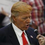 Republikanin Donald J Atutowy Prezydencki wiec noc przed Nevada kliką, południe Wskazuje hotel & kasyno, Las Vegas, Nevada obraz stock