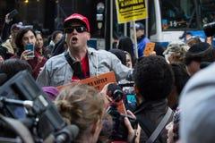2016 republikanska stor festAnti--trumf protesterar NYC Arkivbilder
