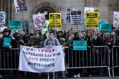 2016 republikanska stor festAnti--trumf protesterar NYC Royaltyfri Fotografi