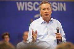 Republikeinse Presidentiële Kandidaat John Kasich Madison, Wisconsin Stock Afbeelding