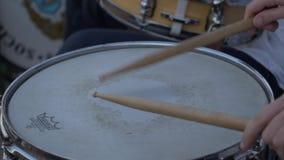 Requena, Spanje - September 2, 2017: musici in arena van Spanje die het stieregevecht onderhouden stock video