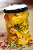 Requesón en aceite de cocina imágenes de archivo libres de regalías