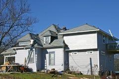 reroofing的房子 库存照片