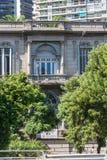 Resa Buenos Aires, gammal historisk byggnad modernt gammalt Arkivfoto