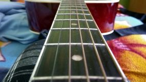 Resa för musikalisk gud för gitarr lycklig Royaltyfri Foto