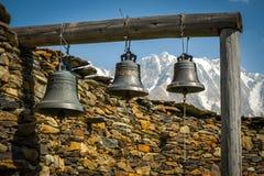 Resa i de Caucasian bergen Royaltyfri Bild