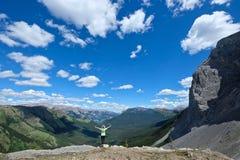 Resa i kanadensiska rockies royaltyfria bilder
