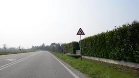 Resa med bilen i norh Italien video arkivfilmer