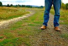 Resa på en grusväg Arkivfoto