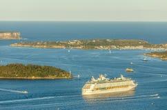 Resande av haven som lämnar den Sydney hamnen arkivfoton