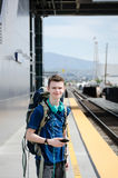 Resande ungdom - Anaheim, CA royaltyfri bild