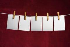 Resbalón de cinco blancos del papel imágenes de archivo libres de regalías