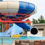 Resbaladores de Aquapark Imágenes de archivo libres de regalías