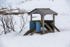 Resbale cubierto con nieve foto de archivo