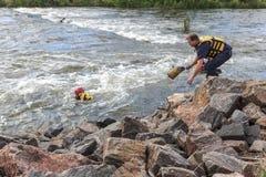 Rescate del agua en el río imágenes de archivo libres de regalías