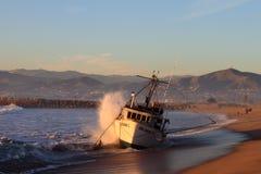 Rescate del barco de pesca Foto de archivo libre de regalías