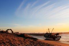 Rescate del barco de pesca Fotos de archivo libres de regalías